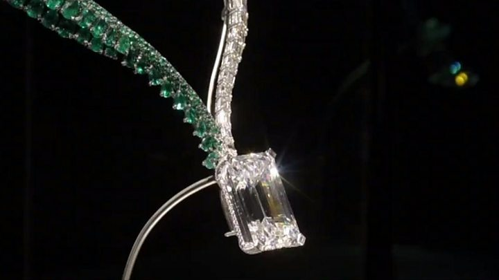 Media playback is unsupported on your device                  Media caption The 163 carat diamond was the largest of its kind to go under the hammer