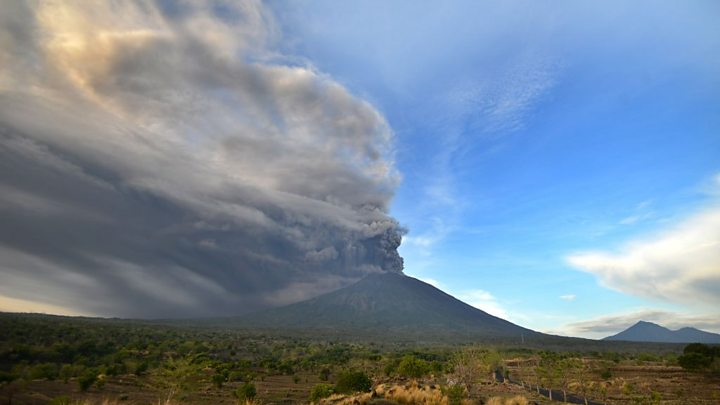 Mount Agung Bali volcano alert raised to highest level BBC News