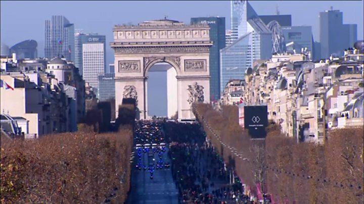 Johnny Hallyday: Huge crowds gather for France's 'Elvis Presley'