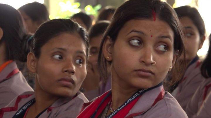 Image result for माहवारी पर खुलकर बात करती हैं छात्राएं