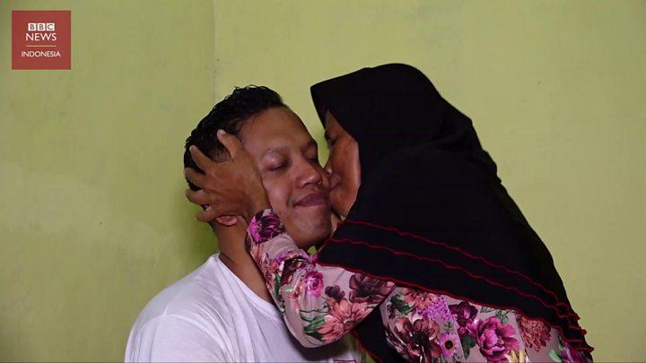 Setelah 40 Tahun Terpisah Anak Indonesia Yang Diadopsi Warga