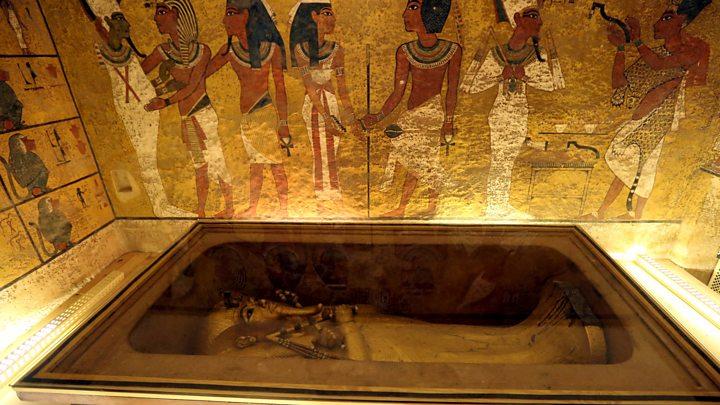 Tutankhamun 'secret chamber' does not exist, researchers find