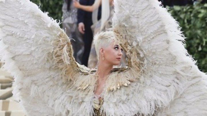 af9b8d015 Met Gala 2018  Celebrities share divine looks on red carpet - BBC News