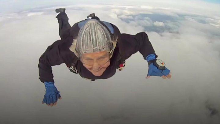 Dilys Price: World's oldest female skydiver dies thumbnail