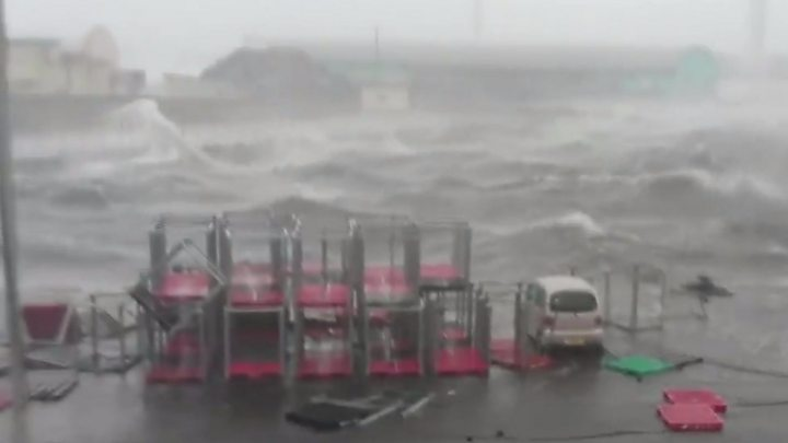 Typhoon Jebi batters Japan