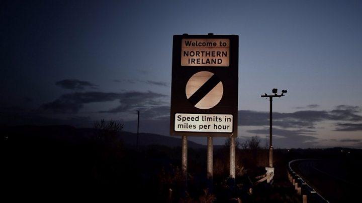 Brexit talks hit 'real problem' over Northern Ireland border