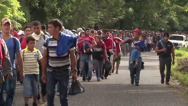 Caravana de migrantes busca cruzar México para llegar a Estados Unidos
