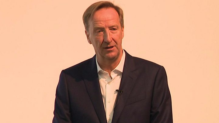 Alex Younger: MI6 chief questions China's role in UK tech sector - BBC News