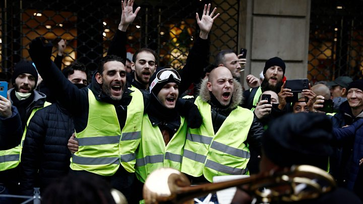 French prime minister defends police targeted by protesters