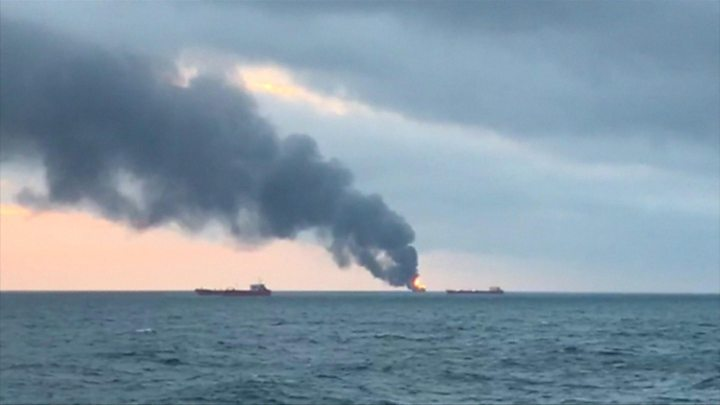 Explosion sets ships ablaze off Crimea