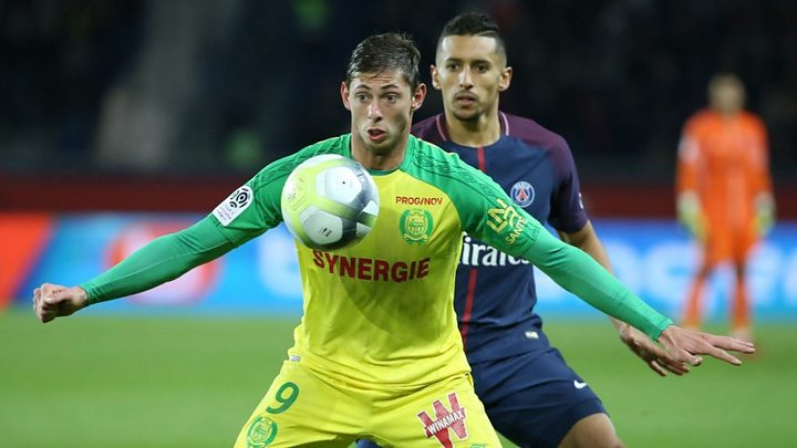 Hopes fade as search for missing footballer Sala continues