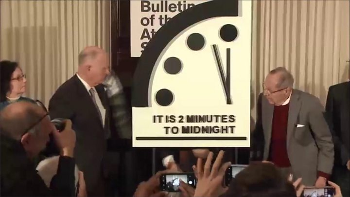 Atomic scientists keep Doomsday Clock at two minutes to midnight