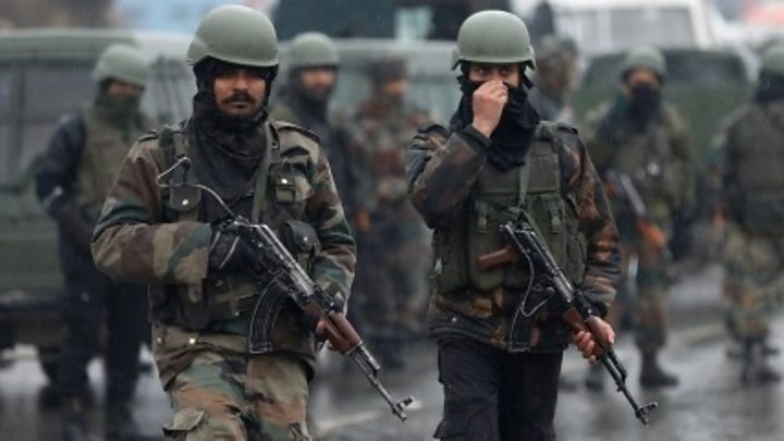 Blast kills 40 Indian soldiers in Indian-administered Kashmir