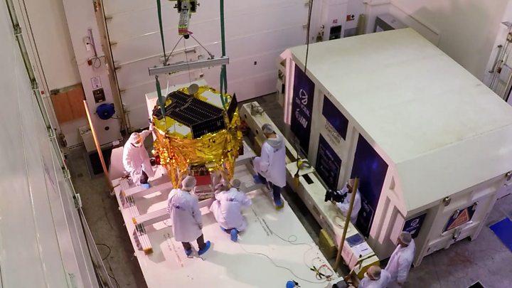 SpaceX запустила индонезийский спутник иизраильский луноход