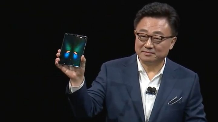 Samsung shows off high-priced Fold phone