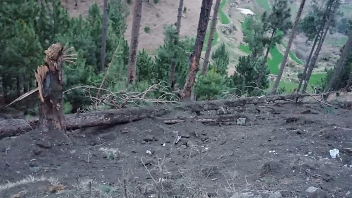 Pakistan guns down two Indian fighter jets over Kashmir