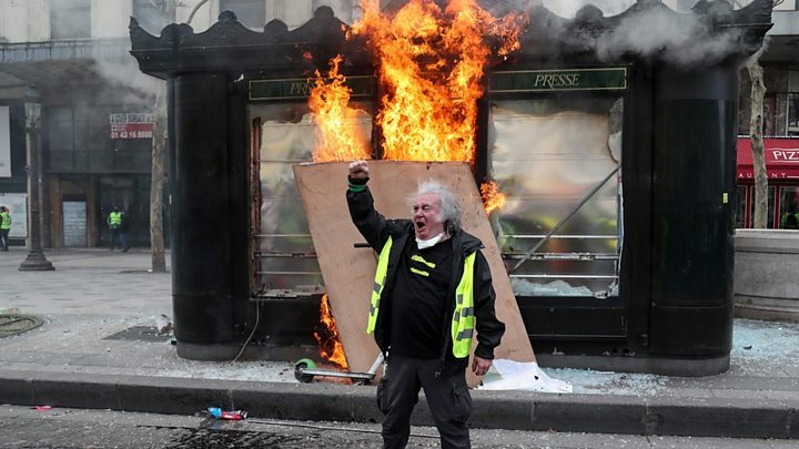 Yellow vests banned from Champs-Élysées after riots