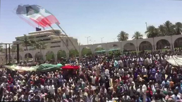 Gunshots, tear gas fired at Sudan protest site