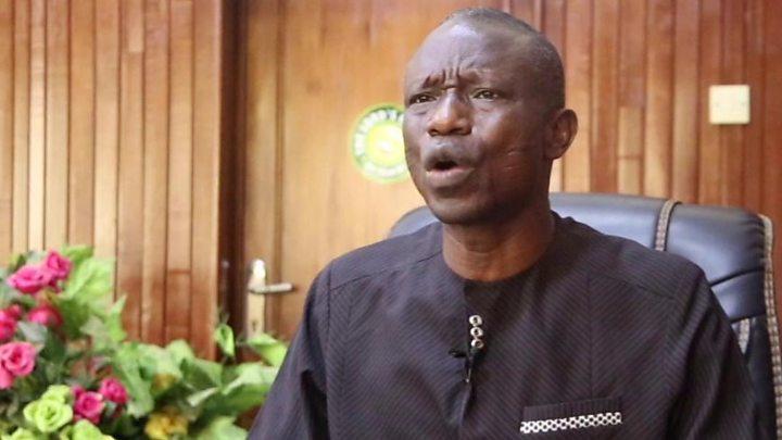 Àgbà ni Obasanjo, oun tó ń sọ yé e, ìjọba ni kó tají - Wale oke