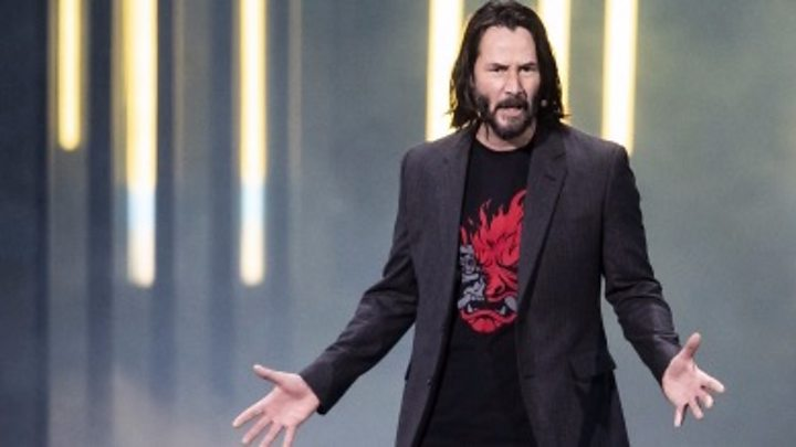 Keanu Reeves fires up Xbox crowd at E3