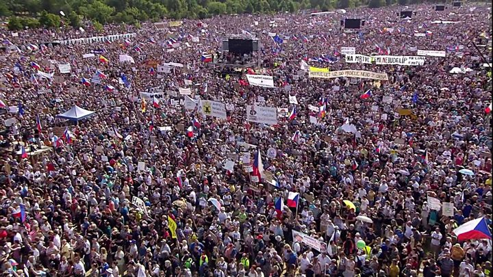 Thousands protest in Prague against prime minister