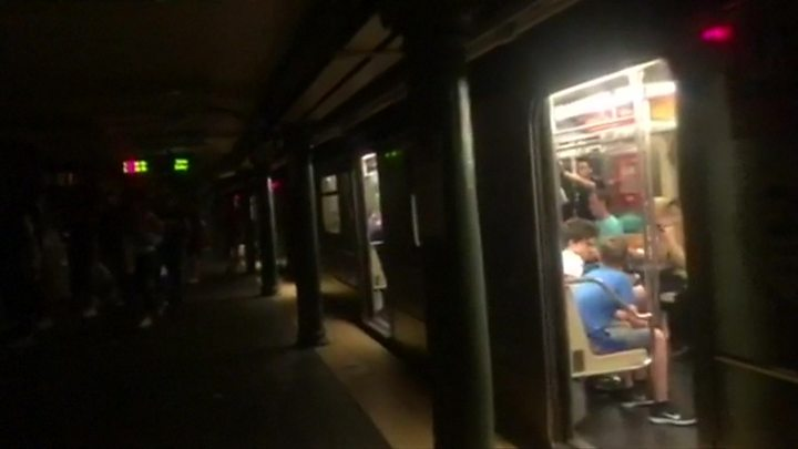 Parts of New York hit by power cut