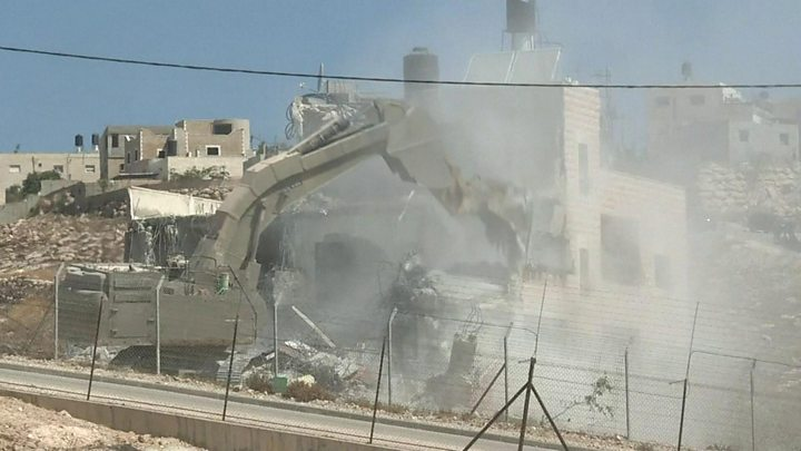 Israel demolishes 'illegal' Palestinian homes