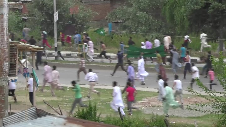Tear gas at Kashmir rally India denies happened