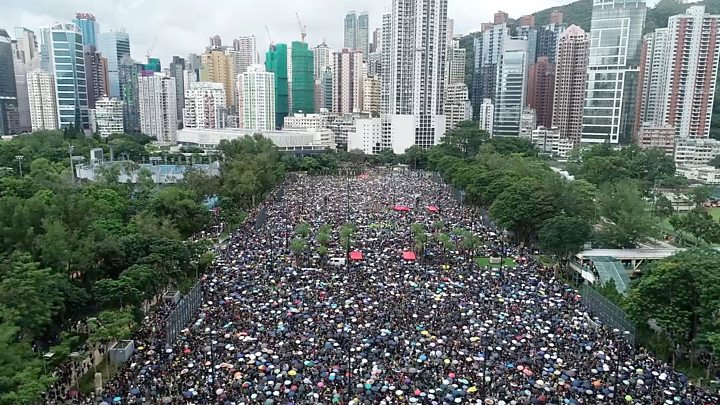 Hong Kong protests: Huge crowds rally peacefully