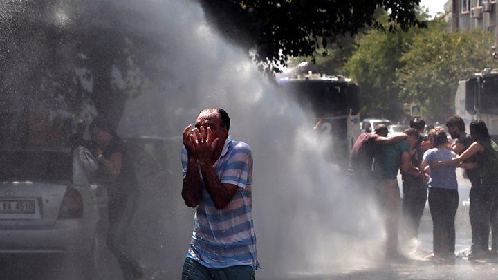 Diyarbakır'ın Kayapınar, Bismil ve Kocaköy ilçe belediyelerine kayyum atandı