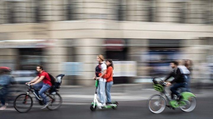 Протест против пенсионной реформы привел к транспортному коллапсу в Париже