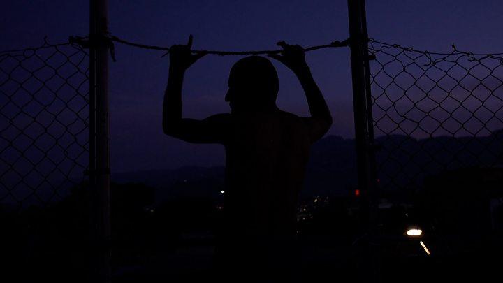 """""""EE.UU. nos mandó a la boca del lobo, a sufrir secuestros y extorsiones"""": la brutal realidad de miles de centroamericanos en Tamaulipas, México"""