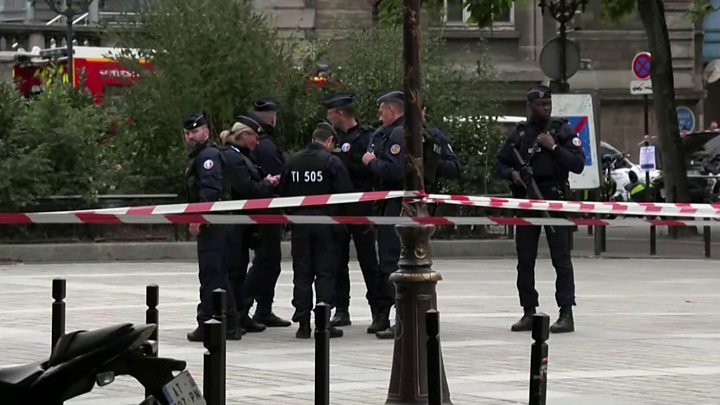 Paris police attack: Four killed by knife-wielding employee