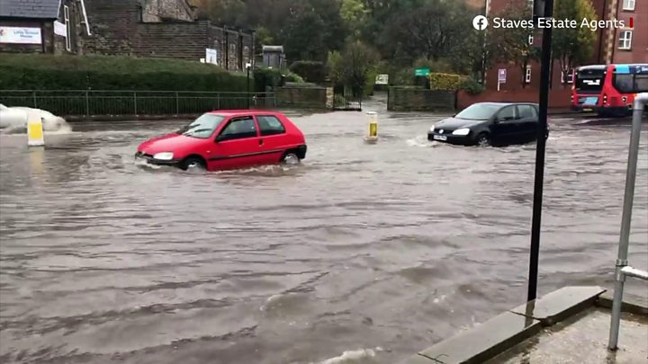 Residents told to leave homes as northern England floods