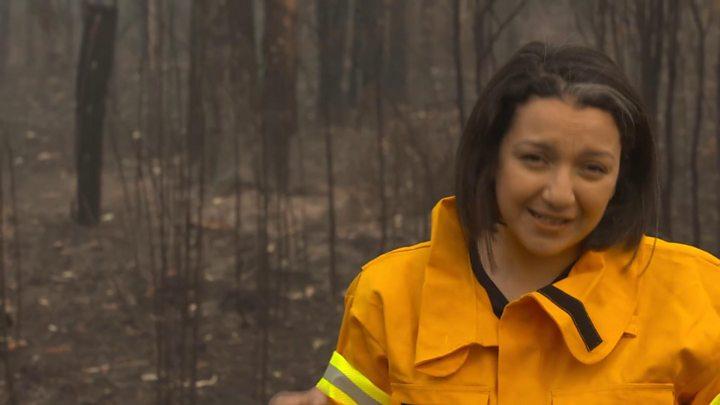 Bushfire smoke chokes Sydney