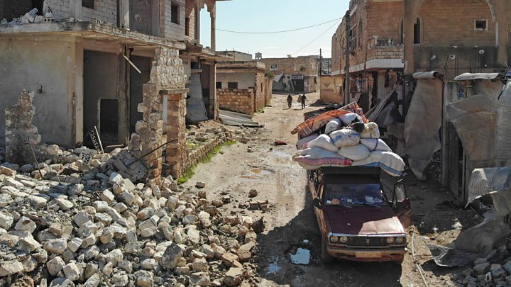 Syria warfare: UN says Idlib displacement 'overwhelming' relief effort thumbnail