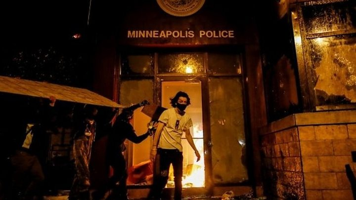 George Floyd: Protesters set Minneapolis police station ablaze thumbnail