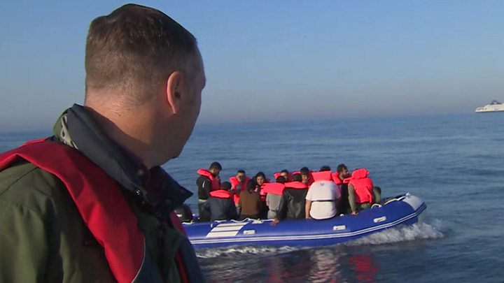 Britain urges France to crack down on migrant crossings