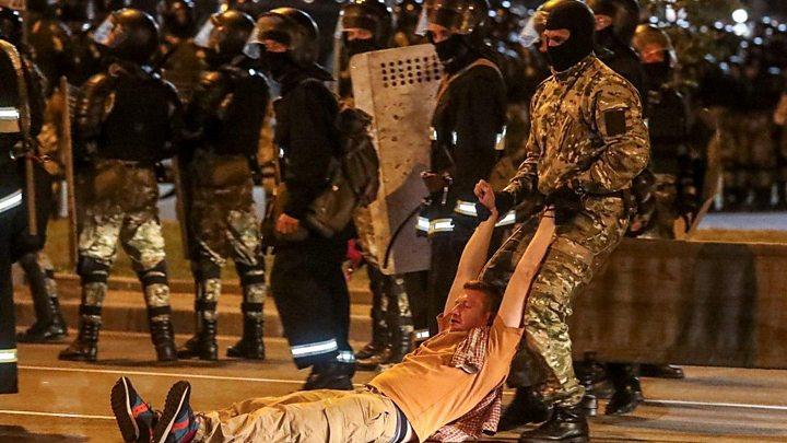 Eleição na Bielorrússia: oposição contesta vitória esmagadora de Lukashenko 1