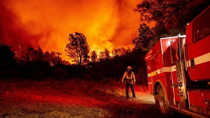 US West Coast fires: Is Trump right to blame forest management? thumbnail