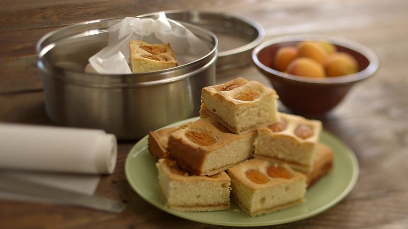 English apricot and almond bake