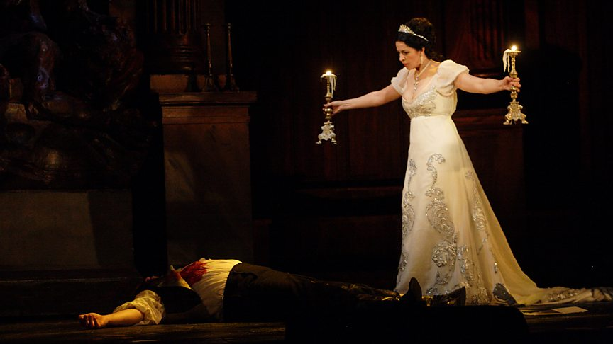 5 reasons to listen to Tosca right now