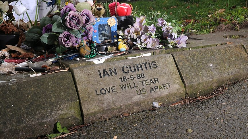7 strange stories about the resting places of famous musicians