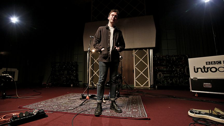 Pop songs with 'rough edges': Watch Ten Tonnes in session