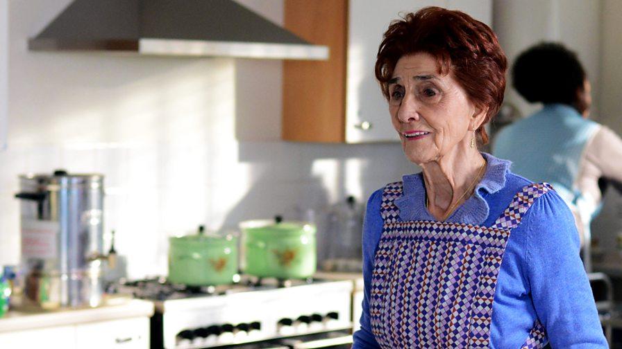 Hollyoaks star talks stabbing plot
