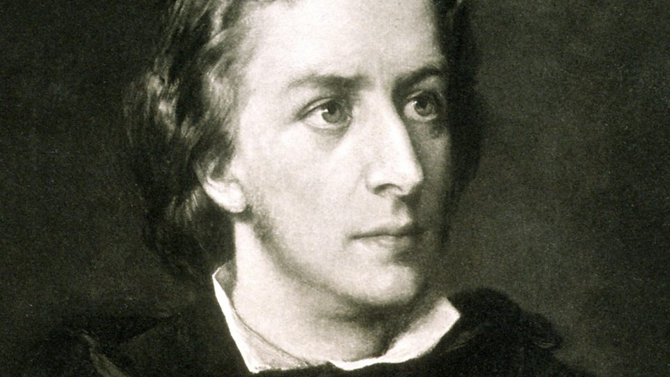 chopin expressed his love of poland by composing polonaises and