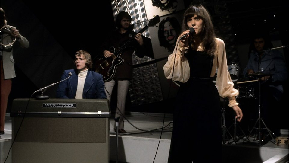 Carpenters - New Songs, Playlists & Latest News - BBC Music