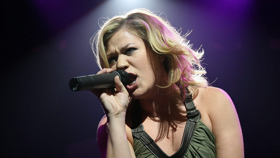 Kelly Clarkson - New Songs, Playlists & Latest News - BBC Music