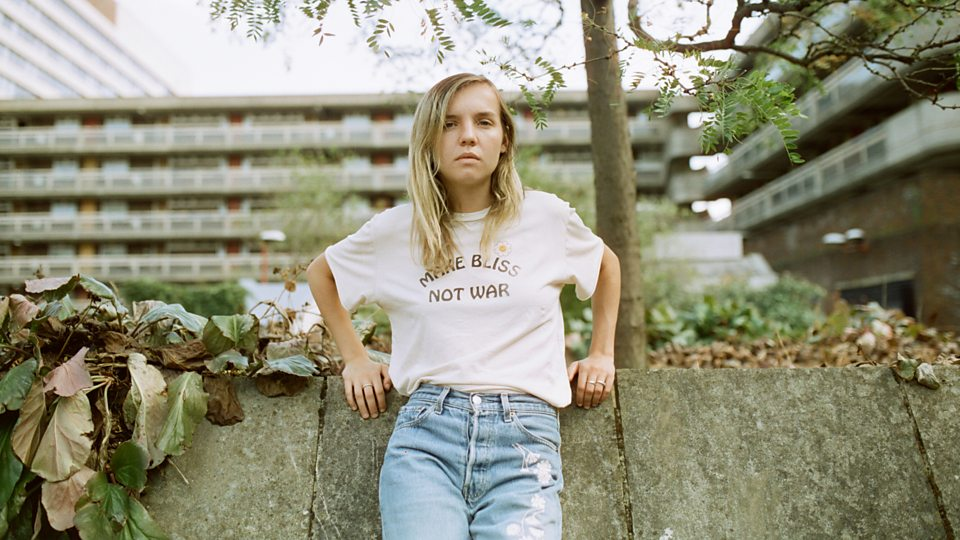 The japanese house - vocalista