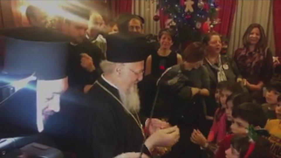 Вселенський патріарх Варфоломій зустрівся із дітьми у Стамбулі.